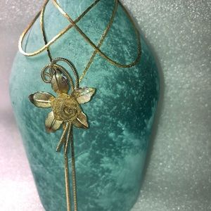 Vintage Metal Flower slide neclace/bolo